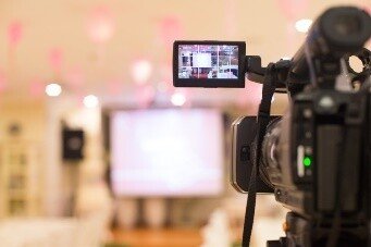 Tips for Periscope and Other Online Broadcasts - blog post by LA Media Trainer Lisa Elia of ExpertMediaTraining.com