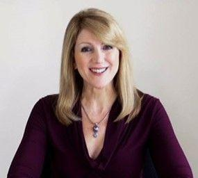Lisa Elia, Founder & Lead Media Trainer & Presentation Trainer at Expert Media Training® and author of top-ranking public speaking blog