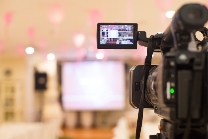 Tips for Periscope and Other Online Broadcasts – LA Media Trainer Weighs In